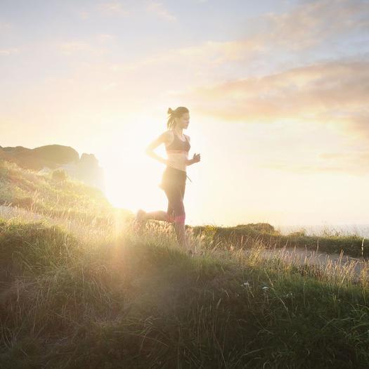 woman meditative running benefits