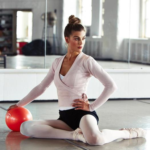 Barre Workout: The Best Toning Exercises Using a Pilates