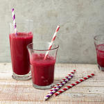 beet strawberry vegetable smoothie