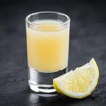 detox shot apple cider vinegar lemon and ginger