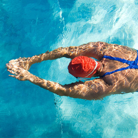 woman doing a swimming workout
